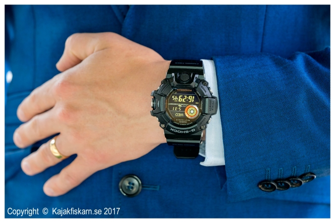 Casio-G-Shock-Rangeman-with-suit-2