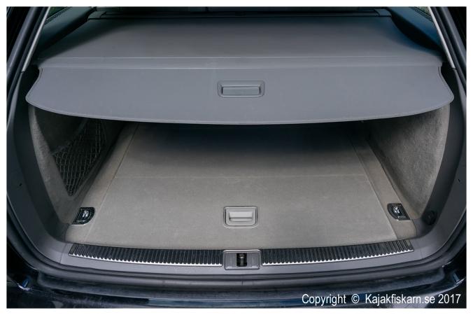 audi_a4_b7_2-0ts_luggage.jpg