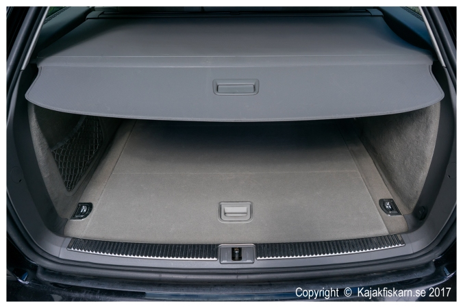 Audi_A4_B7_2.0TS_luggage