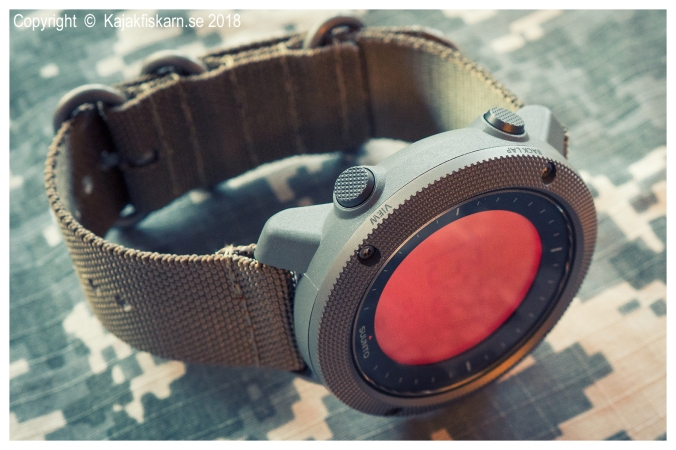 Suunto_Traverse_Alpha_red