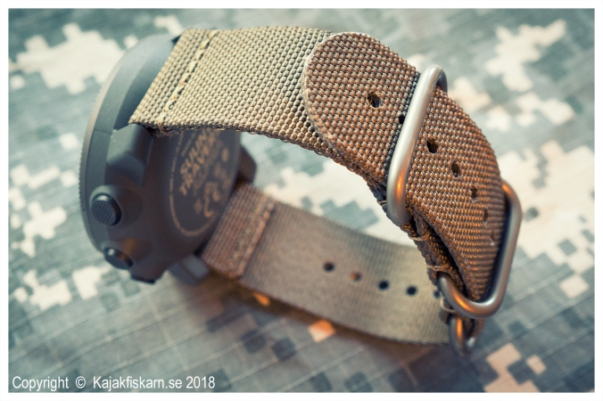 Suunto_Traverse_Alpha_side